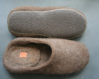 Felted slippers Men's house shoes Brown handmade Wool size US 15,5 , width 5,5' EXTRA LARGE