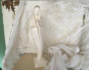 Madonna Figurine, Virgin Mary, Vintage, 1960s, Madonna, Religious Figurine, Madonna Statue, Religious Statue, Vintage Madonna, Religious