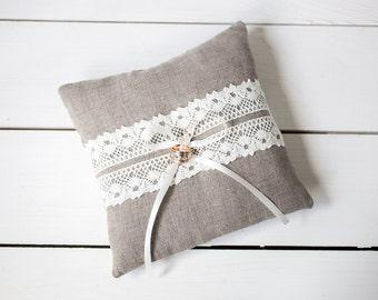 Ring pillow - Ring Bearer Pillow - Linen Ring Bearer Pillow -  Rustic Wedding linen lace Ring Pillow - linen ring pillow - Wedding pillow