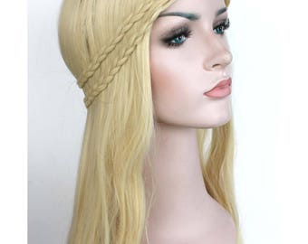 Long wavy blonde wig. synthetic high quality wig hair. ready to ship.