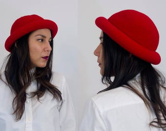 Rolled brim bowler hat. Vintage wool/felt. Bright red.
