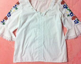 Vintage Embroidered White Bohemian Blouse, Vintage Colorful Embroidered White Top, Vintage Embroidered White Blouse, Hungarian Blouse