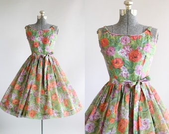 Vintage 1950s Dress / 50s Cotton Dress / Purple and Red Floral Print Dress w/ Original Waist Tie XS/S