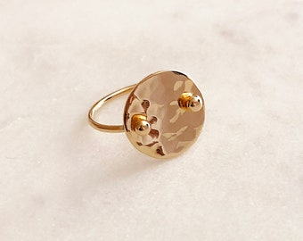 Gold Hammered Disc Ring  / Dainty Simple Geometric Circular Gift for Her / Minimalist Textured Modern Everyday Gold Plated Ring