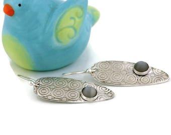 Silver moonstone earrings, Moonstone earrings, Oval earrings with moonstone, Silver earrings with circle texture, PMC esrrings