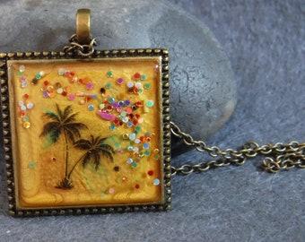 Resin tropical palm tree pendant, beautiful holiday wear