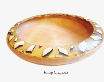 Beautiful Handmade Bowl, Artist Signed, Wood / Resin