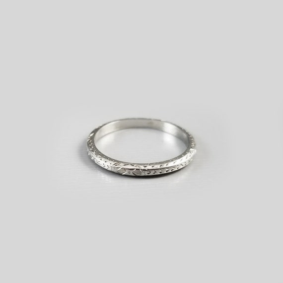 Vintage Art Deco 18k white gold chaff of wheat and leaves wedding band ring, size 5, 1920s