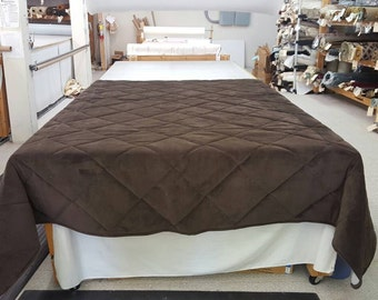 "Super King (114""L x 98""W) Chevy Brown Quilted Coverlet (Velvet Feel)"