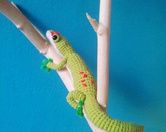 Gregor the Giant Day Gecko Amigurumi