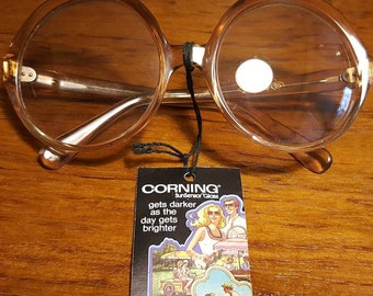 Vintage 70s CORNING Sun Sensor Eyeglasses Sunglasses Frames Eye Glass Mod New with Tag