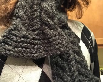 Cozy cabled scarf