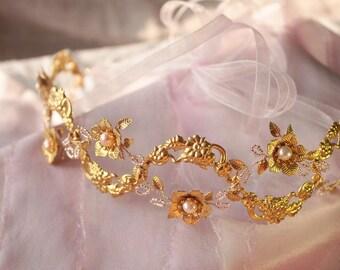 Bohemian wedding hair vine Bridal hair vine Wedding headpiece Bobemian wedding headpiece Floral hair vine Golden hair vine
