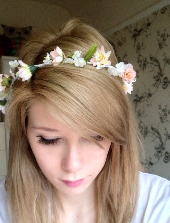 Hair accessories flower crown petite daisy headwreath shana junglespirit Image collections