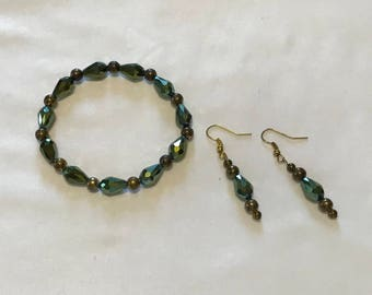 Green and Bronze Stretch Bracelet and Earring Set