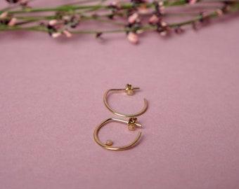 Model MEBAE - small hoop earrings
