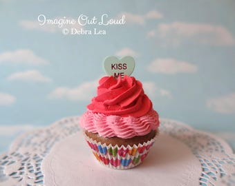 Fake Cupcake  Chocolate Faux Romantic Valentine Hearts KISS ME Kitchen Decoration Food Prop