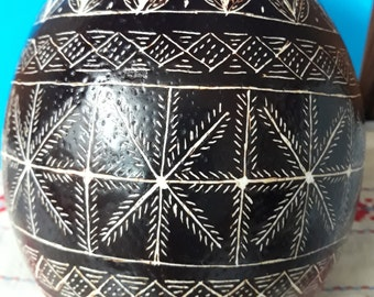 Pysanky,Traditional Hand-scrapped Ostrich Egg (Modern variant of the Slovenian Pisanica)