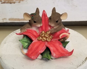 Charming Tails 2 mouse mice vintage Poinsettia figure Christmas figurine
