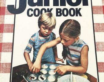 Vintage Cookbook Junior Cookbook Children Cookbook Better Homes and Gardens Large Format Edition 1983