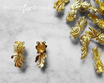2pcs ∙ Mini Goldfish Charms Koi Charms Fish Pendant Animal Nautical Jewelry Supplies