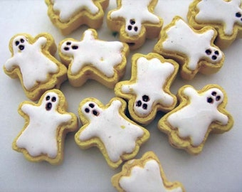 20 Tiny Ghost Cookie Beads - CB730