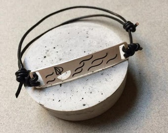 Sailing Silver Bracelet for Men - Sterling Silver Adjustable Bracelet with Sailing Drawing and Leather - Sailor Bracelet