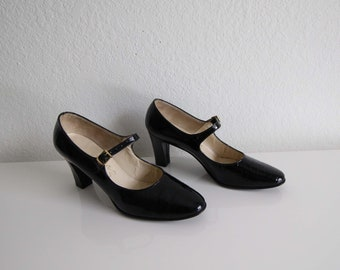 VINTAGE Shoes Mary Jane Heels Black Patent Leather Womens Size 7 Narrow