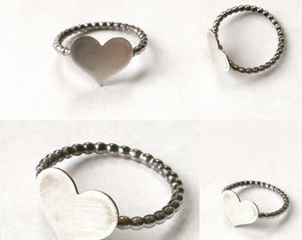 Eine feine Romantik-Sterling-Silber, gepunktete Band Herz Valentine Poesie Stapelring