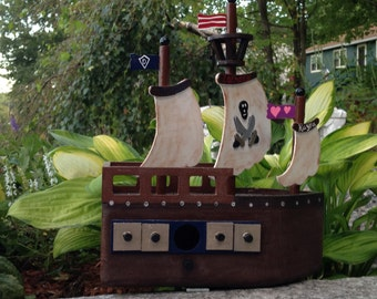 pirate ship birdhouse/wooden ship/wood birdhouse 9x4x11""