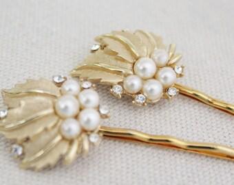 Gold Bridal Hair Pins, Gold Pearl Hair Clips, Vintage Bridal Hair Accessories, Wedding Hair Pins, Unique Repurposed Trifari Hair Pins