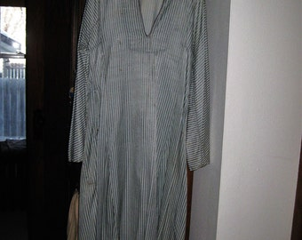 Vintage 1960's stripped caftan with long bell sleeves sx 10-12 Bohemian  lounge ware green tones