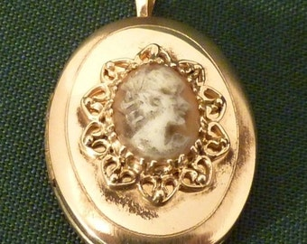 14K Yellow Gold Oval Locket with Cameo