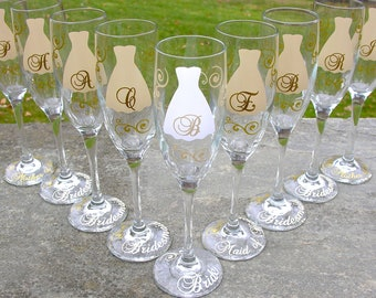 Bride and Bridesmaids gift,  champagne glasses, Gold and ivory, Personalized wedding flutes. 1 flute includes title and date