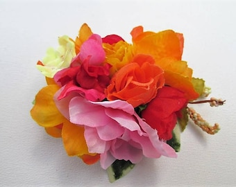 Fascinator, bright tropical wedding bridal fascinator, Festival hair clip, bridesmaid hair, beach wedding, pink & orange flower croc clip,