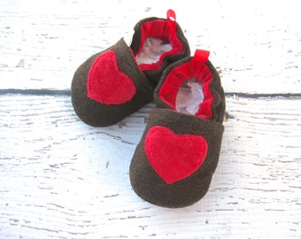 Sale Small Wool A Little Heart All fabric Soft Sole Baby Shoes   Ready to Ship Red