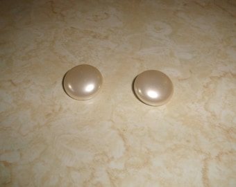 vintage clip on earrings faux pearl circle lucite