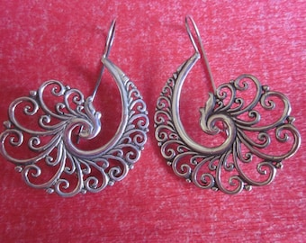 Bali Sterling Silver Earrings / silver 925 / Balinese handmade jewelry / floral design / 2 inches long