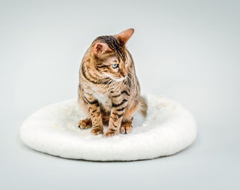 Washable Cat Cave from Felted Wool Pet Cave, Gray Cat House, White Pet House, Cat House, Cat Furniture, Pet Home, Cat Bed, Gift for Catlover