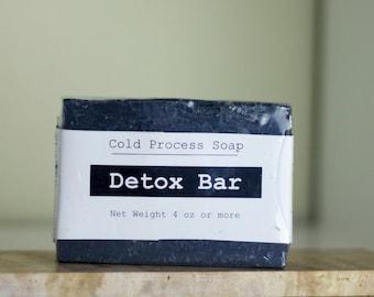 Detox - barre de savon procédé à froid avec du charbon activé