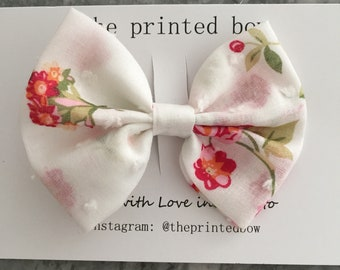 Vintage Floral Medium Bow Clip