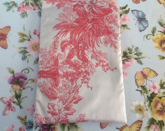 Cover for smartphone in red and beige pattern silk French toile de jouy