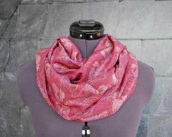 Loop scarf ' Dawn ' with beautiful horse motif of lucky Hucke in red, pink, purple, pink