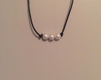 3 single pearl choker/necklace