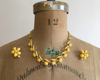 Vintage 1950s Yellow Flower Thermoset Enamel Necklace and Earrings Set 50s