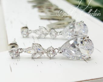 Luxury Leaf Teardrop Crystal Bridesmaid Earrings, Bridal earrings, Bridesmaid Earrings Gift