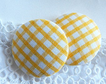 Button yellow gingham, 32 mm in diameter