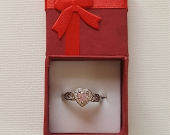 Silver pink an white topaz ring. Stamped s925