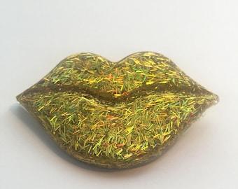Gold Glitter Lips Pin