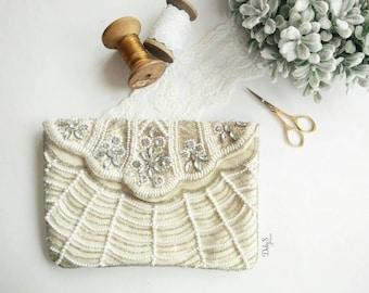Beaded envelope purse/ elegant purse/ envelope purse for events/ envelope purse decorated with beads and rhinestone